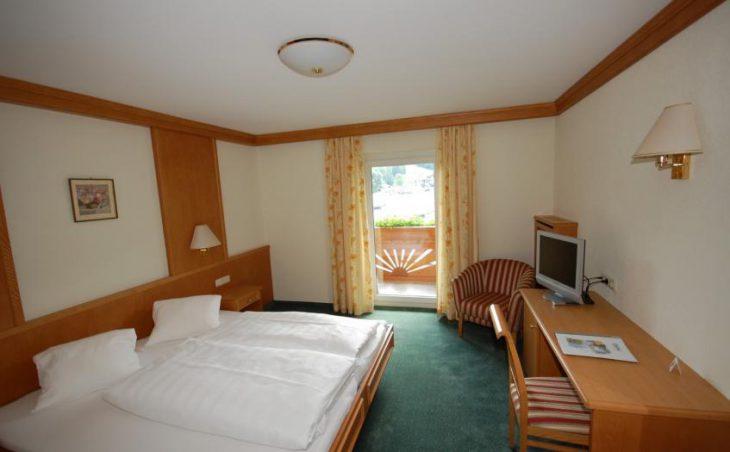Aktivhotel Crystal, St Johann, Double Bedroom 2