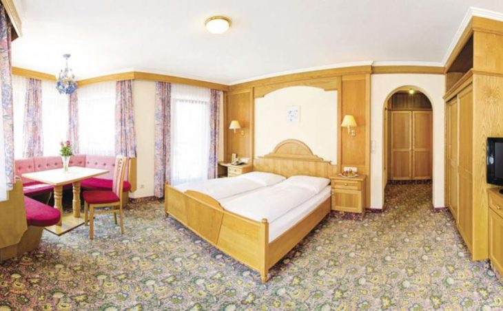 Hotel Strass Garni in Mayrhofen , Austria image 6
