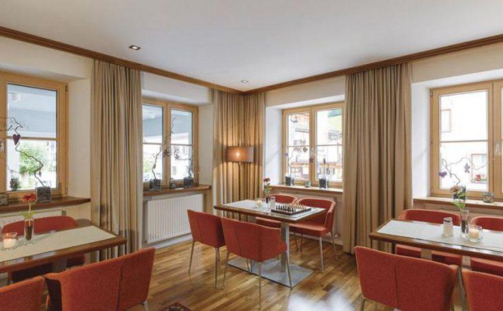 Garni Hotel Goldenes Kreuz in St Anton , Austria image 3