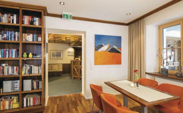 Garni Hotel Goldenes Kreuz in St Anton , Austria image 5