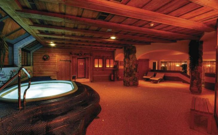 Hotel Neue Post in Zell am See , Austria image 3