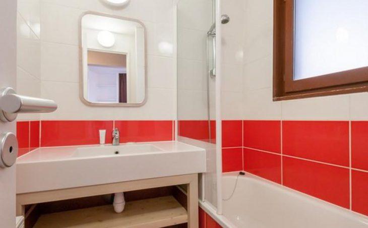 Antares, Avoriaz, Bathroom