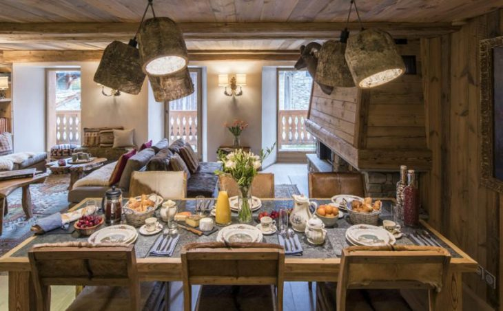 Chalet Barmettes, Val d'Isere, Dining Table