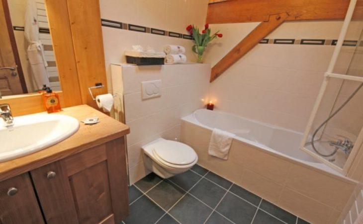 Cairn Lodge in Morzine , France image 2