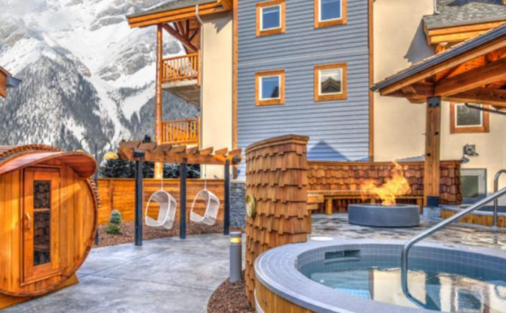 Canalta Lodge in Banff , Canada image 3
