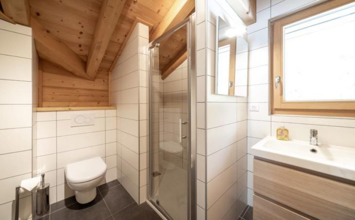 Chalet 10, Morzine, Shower Room