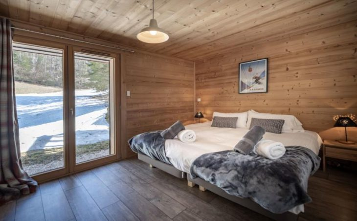 Chalet 10, Morzine, Bedroom