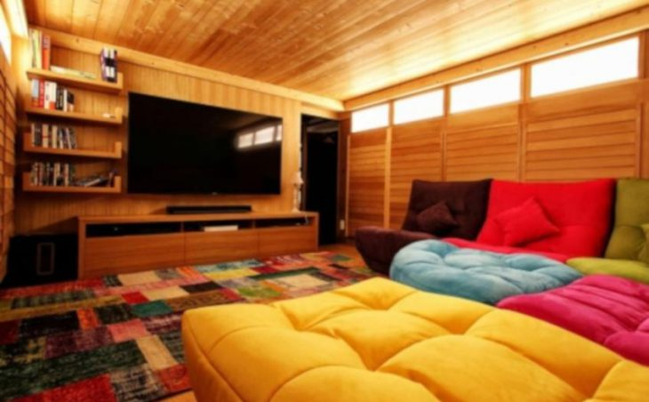 Chalet Acalou, Serre Chevalier, TV Room
