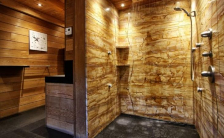 Chalet Acalou, Serre Chevalier, Shower