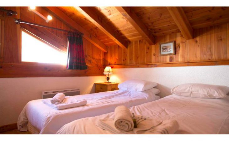 Chalet Alpaca, Les Arcs, Twin Bedroom