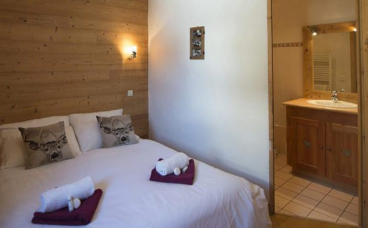 Chalet Amelie, Val d'Isere, Double Bed