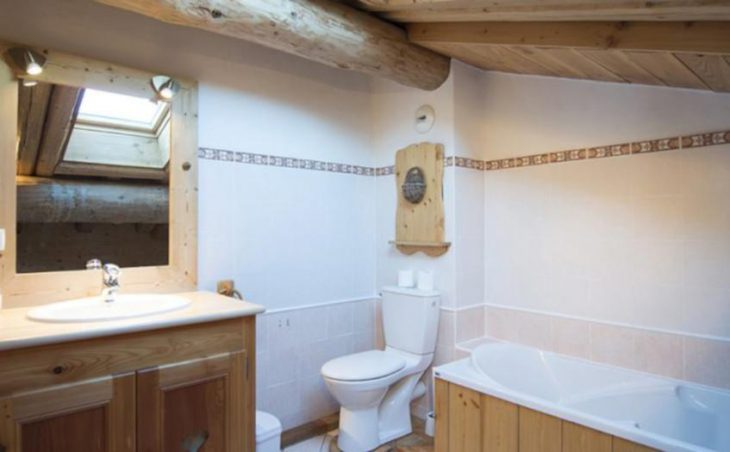 Chalet Amelie, Val d'Isere, Bathroom