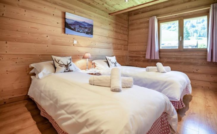 Chalet Apartment Le Rucher, Morzine, Twin Bedroom