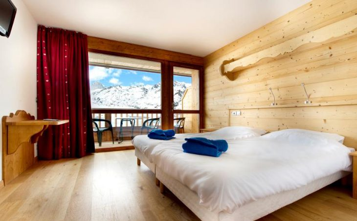Chalet Corniche, Tignes, Double Bedroom