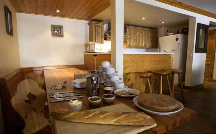 Chalet Cristal 2, Val dIsere, DIning Area