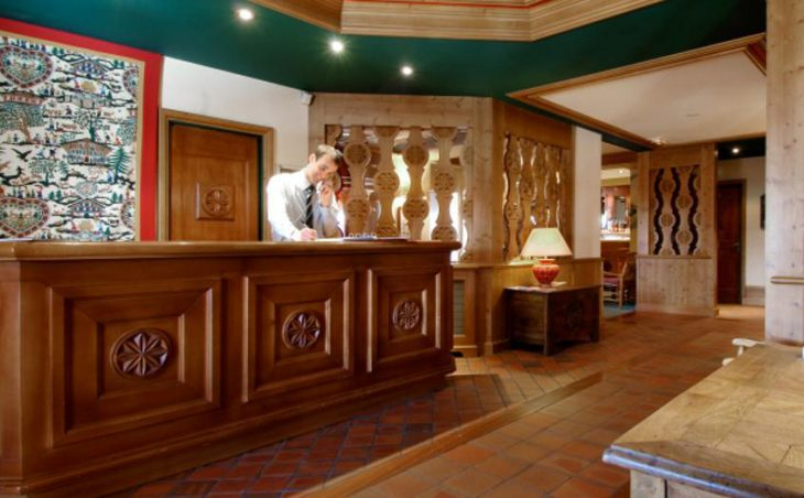 Chalet Hotel Alba, Meribel, Reception