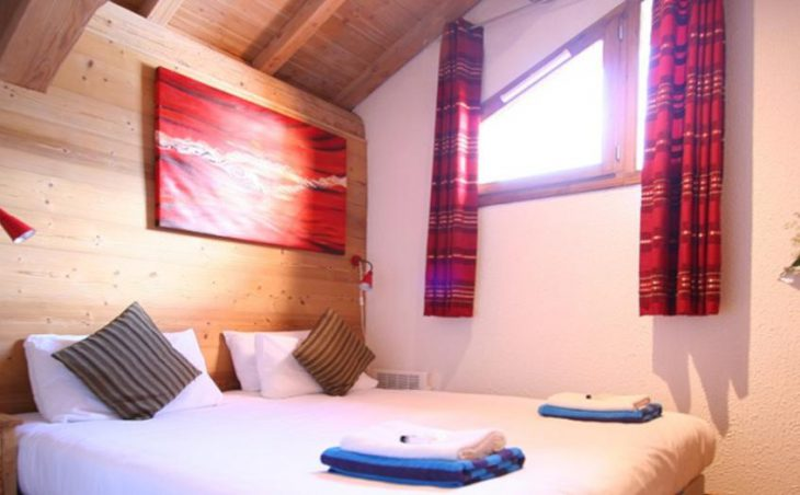Chalet Isabella, Tignes, Twin Bedroom