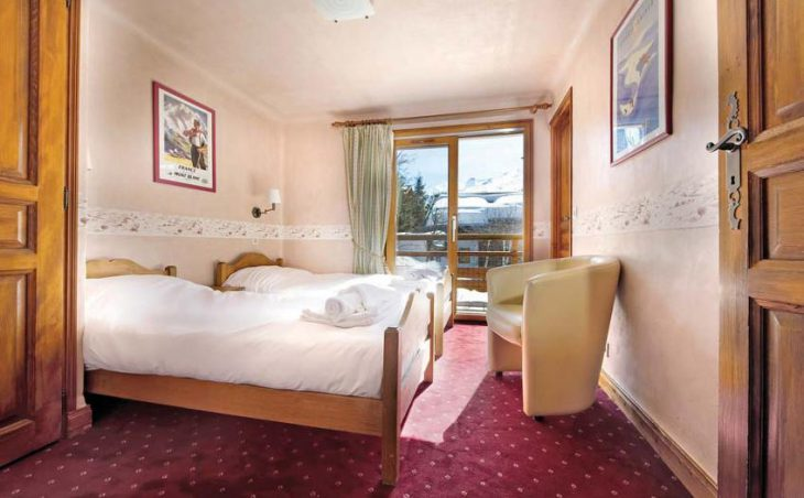Chalet Isba Twin bedded room