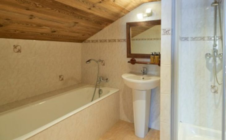 Chalet Jean France, Avoriaz, Bath and Shower