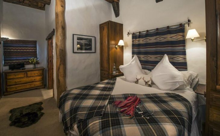 Chalet Bergerie, Val dIsere, Double Bedroom