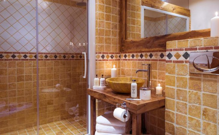 Chalet Bergerie, Val dIsere, Bathroom 4