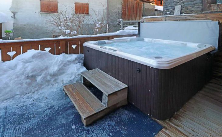 Chalet Les Cabris, Meribel Less Allues, Hout Tub