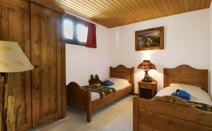 Chalet Marilyn, Tignes, France, twin bedded room