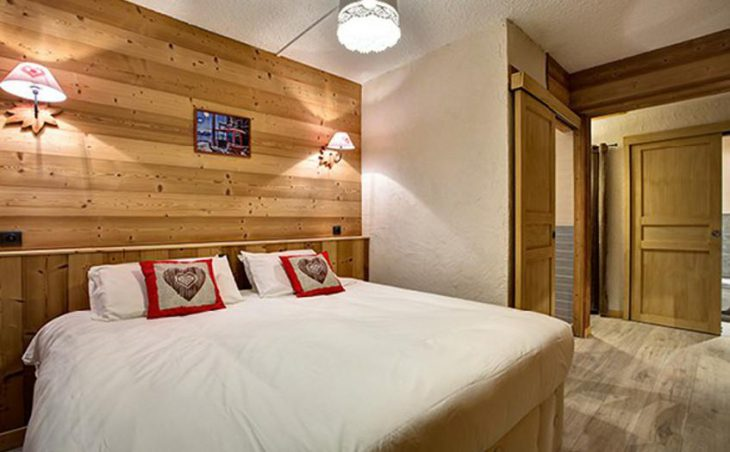 Chalet Martine, Alpe D'Huez, Double Bedroom 2