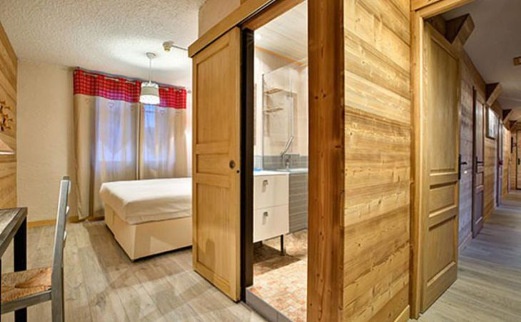 Chalet Martine, Alpe D'Huez, Double Bedroom