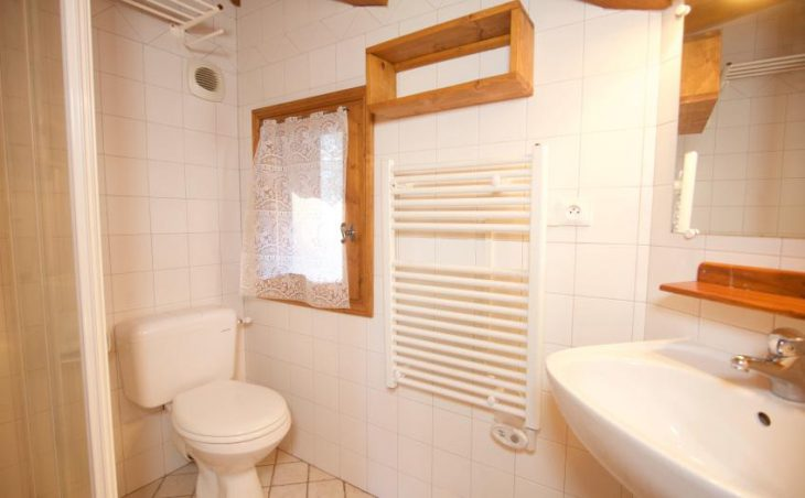 Chalet Morgane, La Tania, Bathroom
