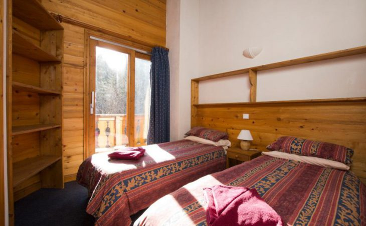 Chalet Morgane, La Tania, Twin bedroom
