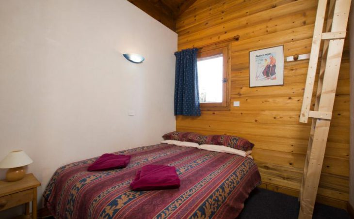 Chalet Morgane, La Tania, Double Bed