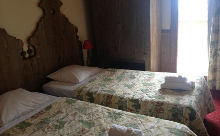 Chalet Petit Ours, Les Arcs, France. Twin bedded room
