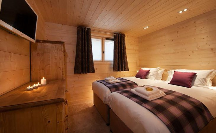 Chalet Poudreuse, Avoriaz, Double Bedroom
