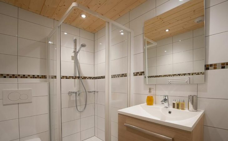 Chalet Poudreuse, Avoriaz, Bathroom 4