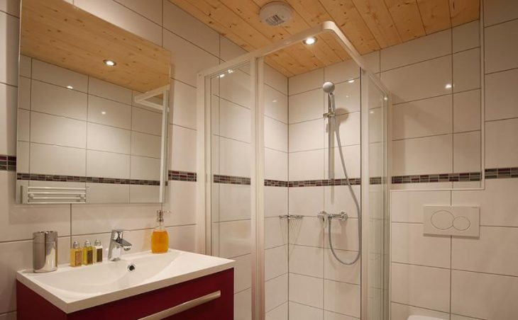 Chalet Poudreuse, Avoriaz, Bathroom