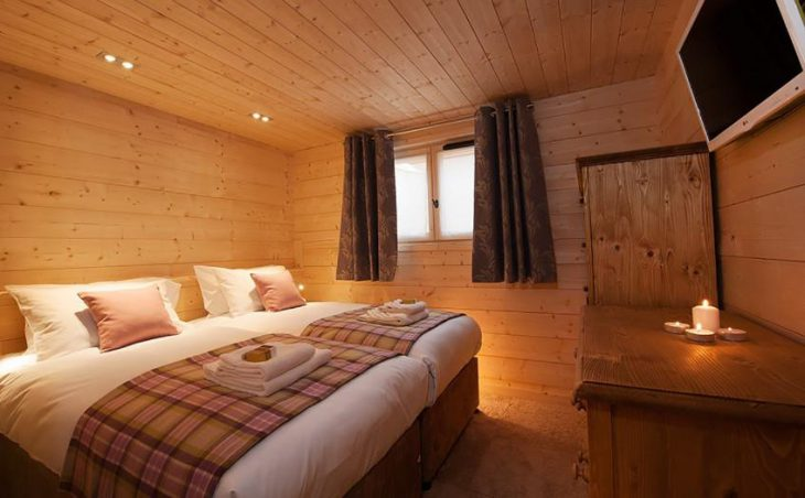 Chalet Poudreuse, Avoriaz, Double Bedroom 3