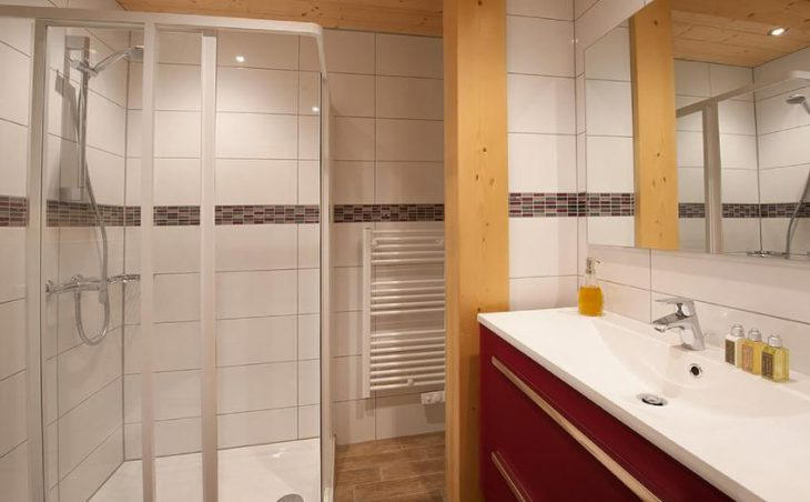 Chalet Poudreuse, Avoriaz, Bathroom 2