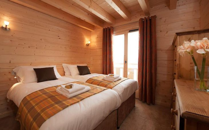 Chalet Poudreuse, Avoriaz, Double Bedroom 4