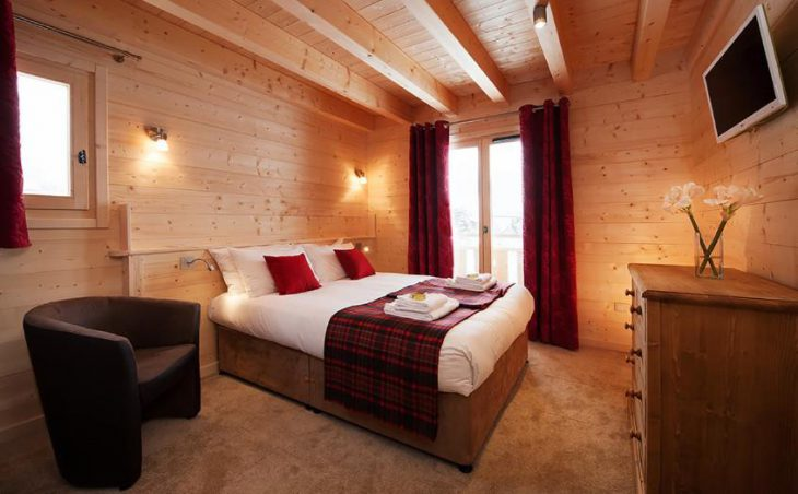 Chalet Poudreuse, Avoriaz, Double Bedroom 5