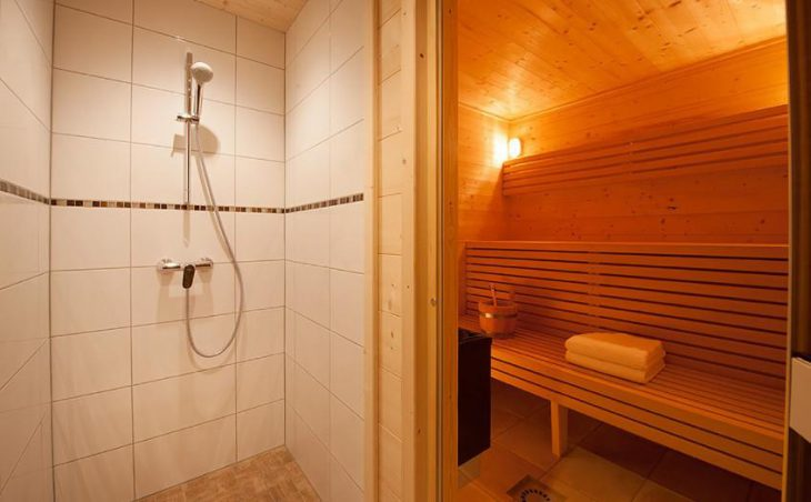 Chalet Poudreuse, Avoriaz, Bathroom 3