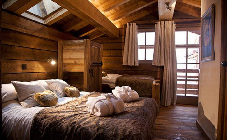 Chalet Samuel, Courchevel, Double Bedroom