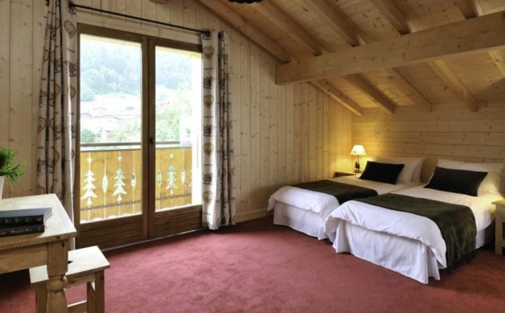 Chalet Savoy, Morzine, Twin Bedroom 2