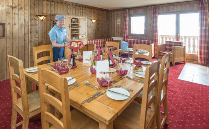 Chalet Yogi, Les Arcs, France, Dining room