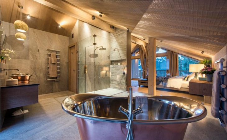 Chalet Alpaca, Meribel, Double Bedroom 2