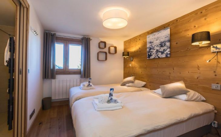 Chalet Irma, Courchevel, Twin Bedroom 3