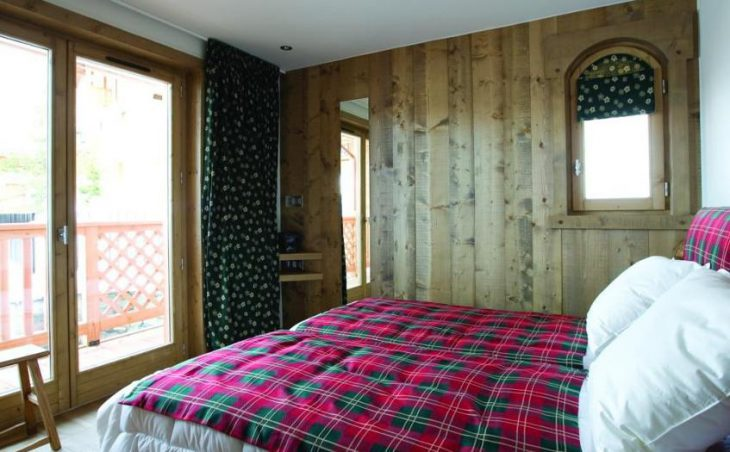 Chalet Le Blanchot, Courchevel, Double Bedroom