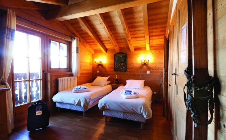 Chalet Le Mazot, Courchevel, Twin Bedroom