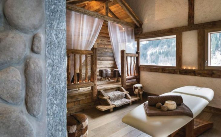 Chalets d'Angele, Chatel, Massage Room