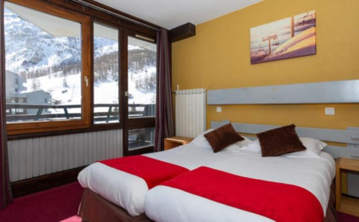 Chalet Champs Avalins, Val d'Isere, Twin Room